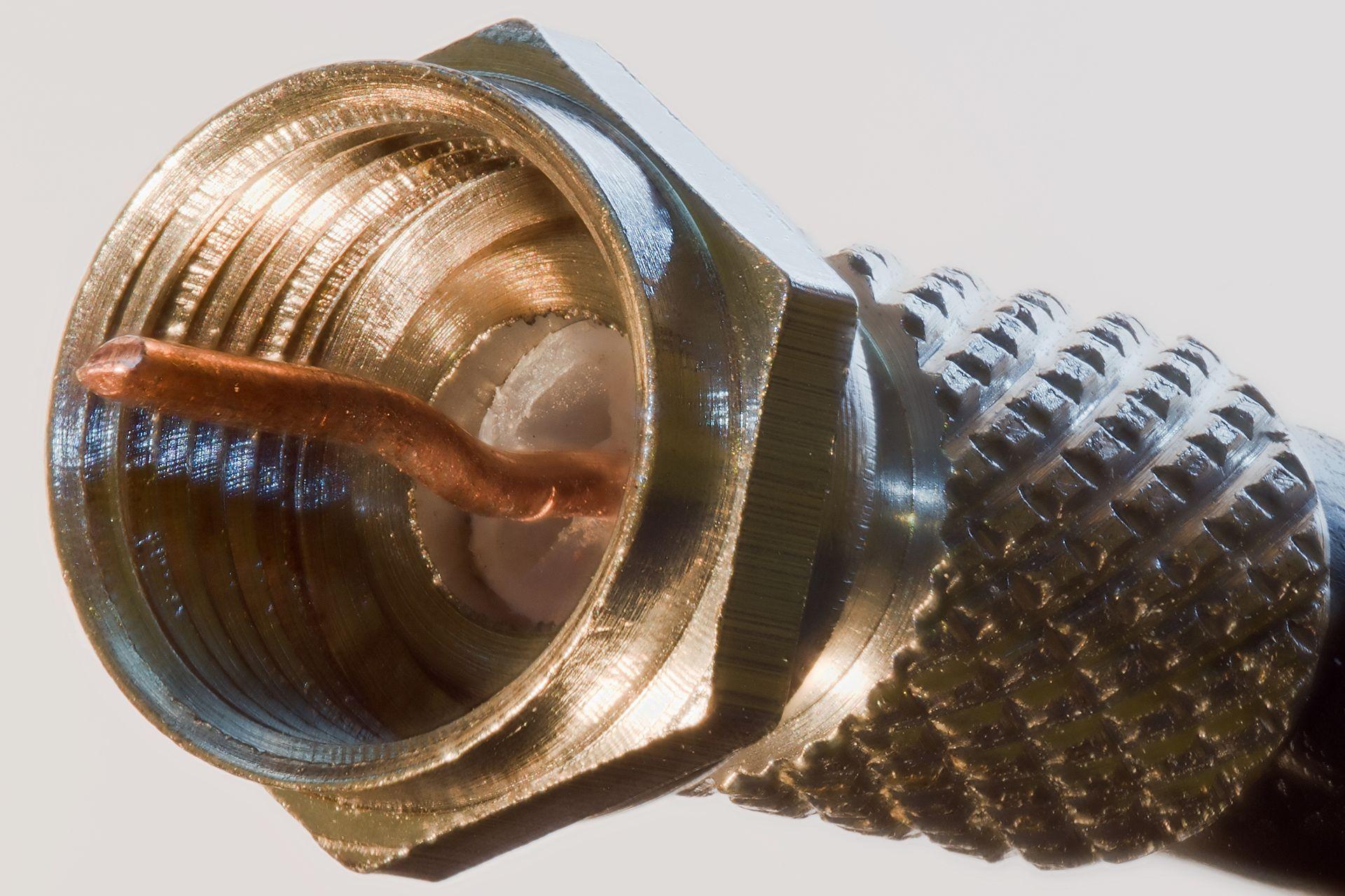 schroef-f-connector